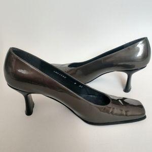 Stuart Weitzman unique gunbarrel gray heels